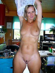 Muscular fifty-year-babe with a shaved pussy and flabby tits