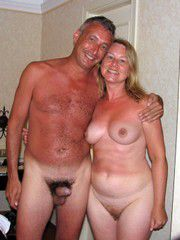 Swingers from Manchester cant wait to have some same room fun