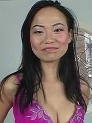 Watch Niya Yu's videos