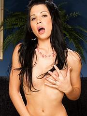 Watch Rebeca Linares's videos