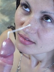 Amateur stripper takes a faceful of jizz