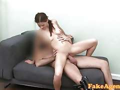 FakeAgent HD Flexible sexy girl in casting