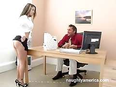 NAUGHTY OFFICE - Julia Bond