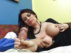 Eva Karera - Mommy need's money !