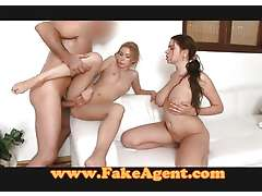 FakeAgent Pussy massage in the hot tub