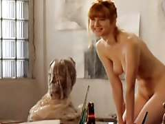 Laura proves she's the SNATCHural redhead by going..