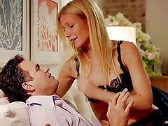 Gwyneth Paltrow hot movie scene