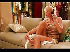 Sexy celeb Amber Heard pedicure