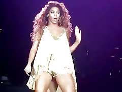 Ebony singer Beyonce sexy thighs and crotch