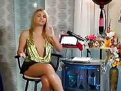Sexy celeb - jenny scordamalia exposes
