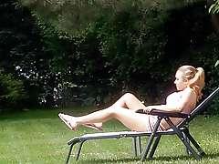 Actress Hayden Panettiere Showing Off..