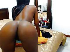 Big booty Colombian shaking black ass
