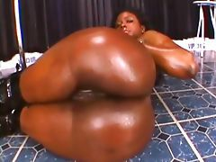 Big booty ebony demiurge gets her..