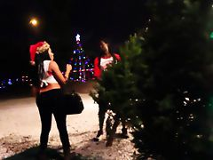 Jayla Foxx gives Blowjob respecting Xmas Foundry Lot Black porn