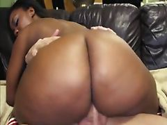 Big booty ebony Nina Rotti rammed on a..
