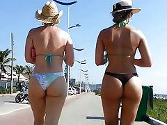 follow 2 big asses 2015