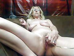 Mature Tits public show