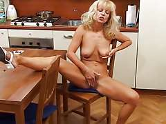 Blonde matue, Oldies But Goldies (Uber 50)