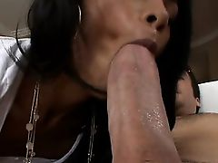 Lusty outdoor oral stimulation
