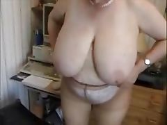 French mature BBW and MILF ass fingering