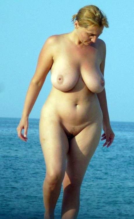 nude-mature-blonde-on-beach