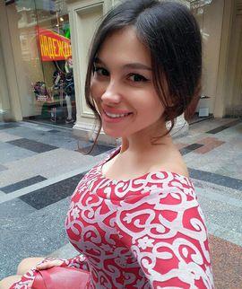 Turkmen beauty in a national dress