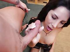 Latin shemale Jessica suck dick