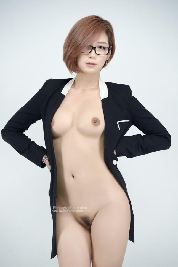 Naked Japanese Girls