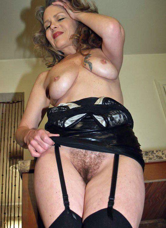 Zoey deschanel fully naked