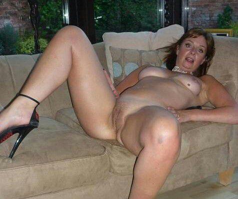 public nude girl hot
